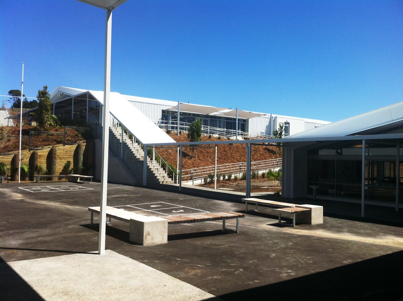 Courtyard and Upper Modern Learning Environment